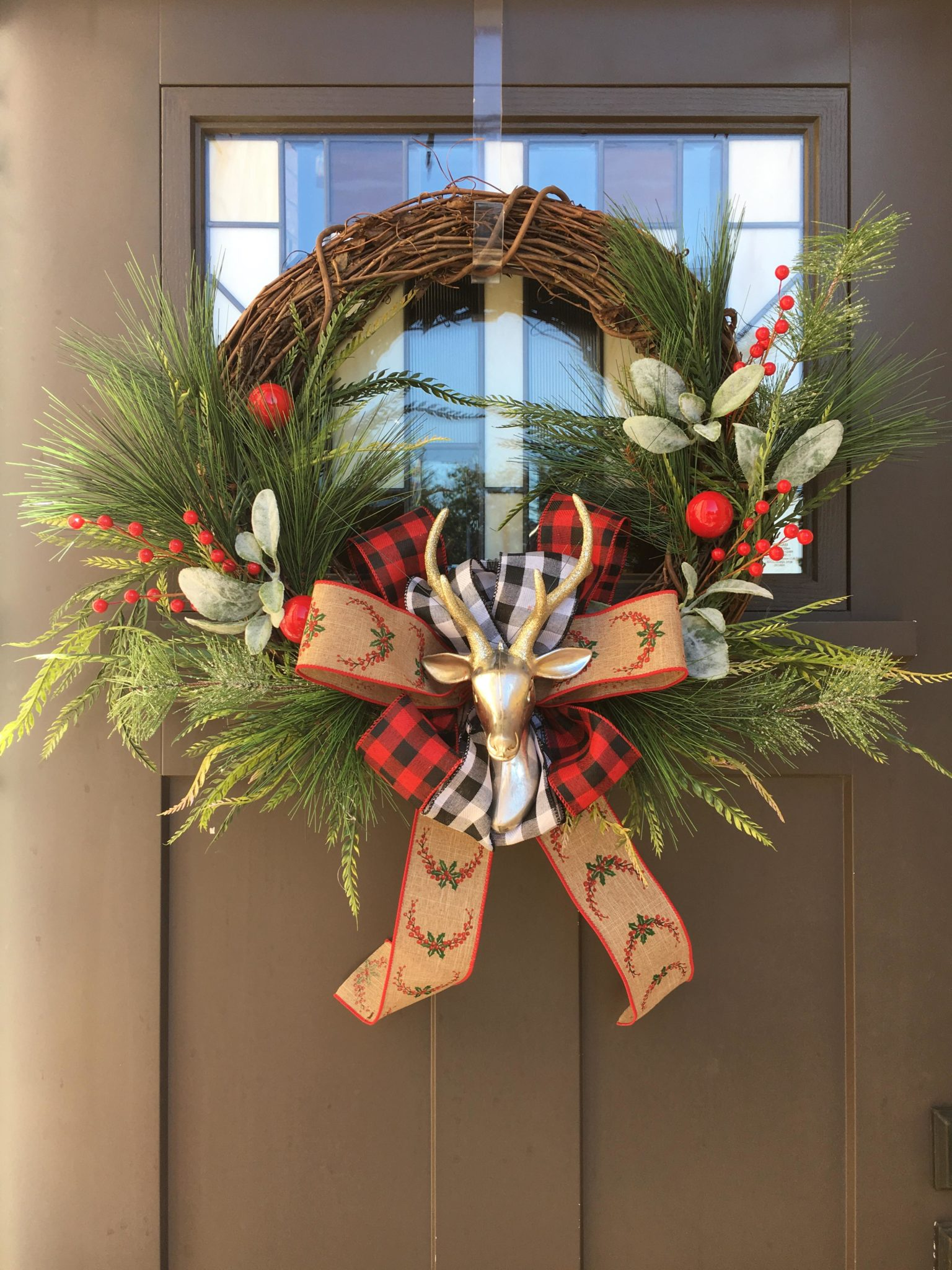 Giant Winter Wreath Workshop with Wine!